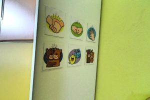 Tablica na ścianie sali przdszkolej