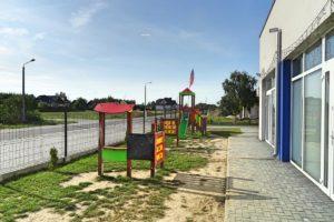 Plac zabaw na terenie przedszkola