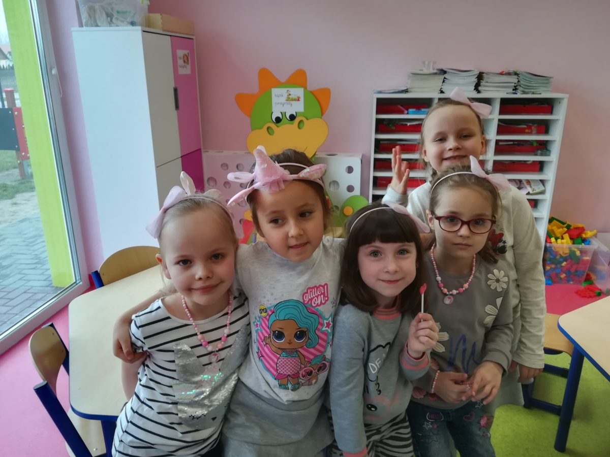 Nasze dziewczynki w Dniu Kobiet